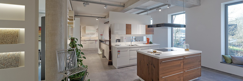 Ausstellung kuchen nach mass for Küchenmonteur gesucht